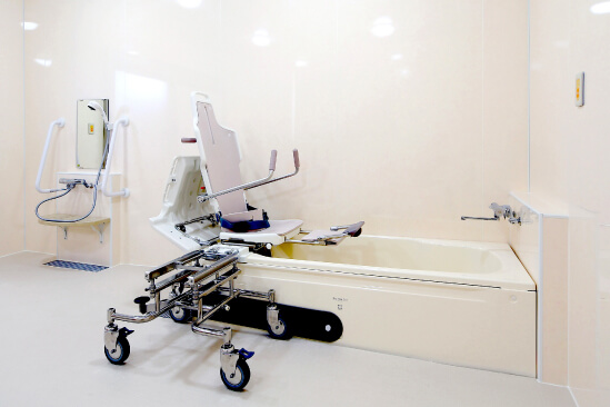 身体機能に応じた入浴設備を完備