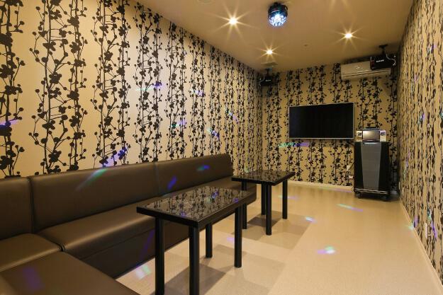 カラオケ室